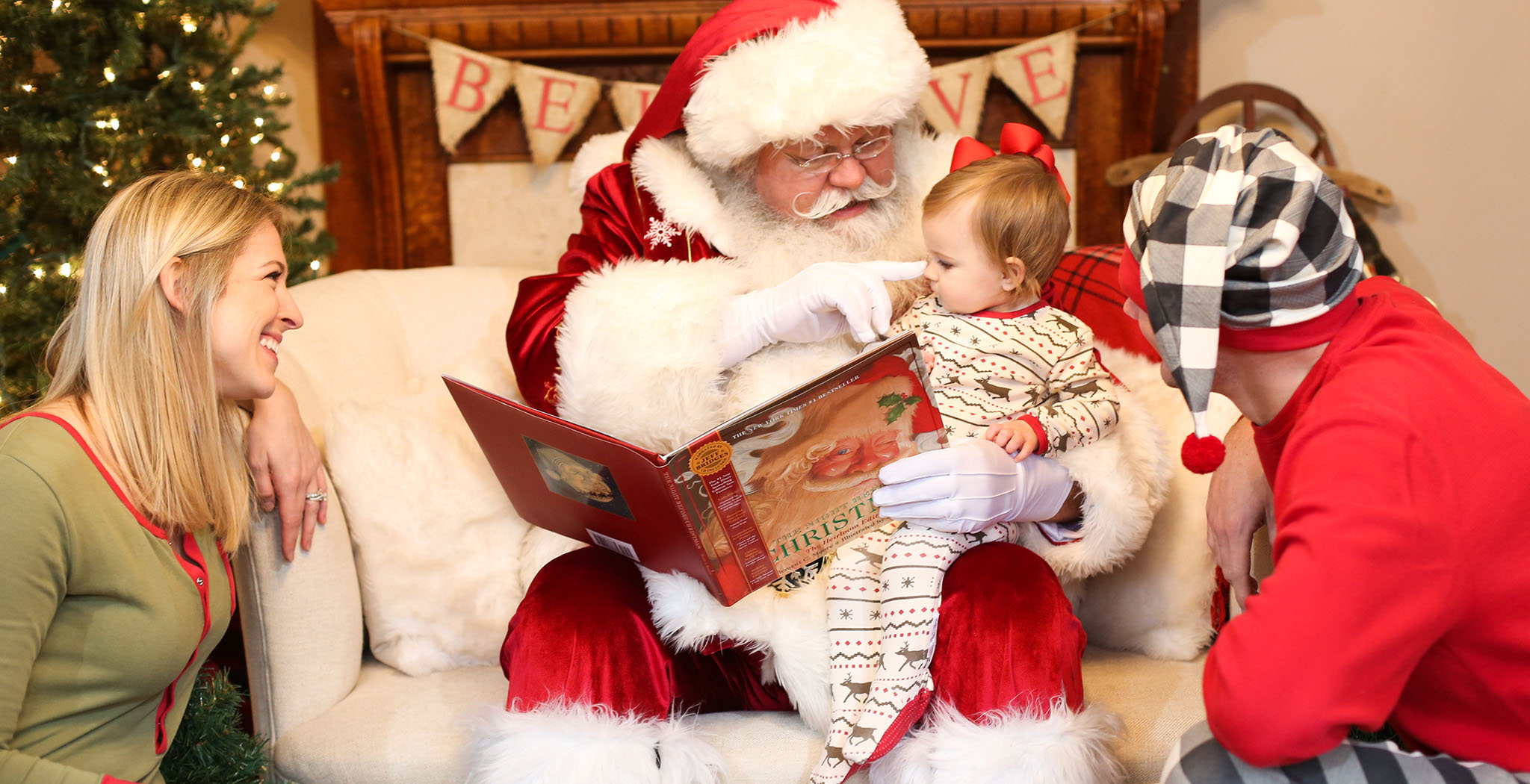 Santa Mini Sessions are NOW BOOKING!